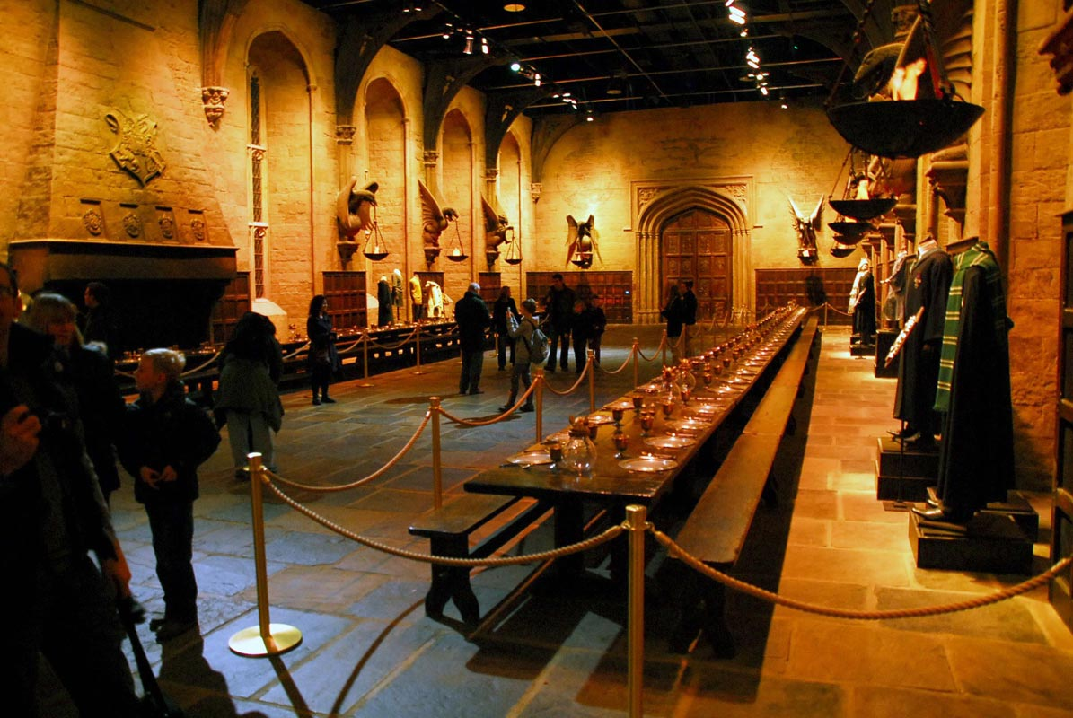 Harry potter pr parez votre visite hogwarts zickma for Salle a manger harry potter